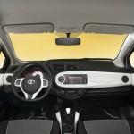 Das Armaturenbrett des Toyota Yaris Trend