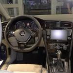 Das Cockpit des neuen Volkswagen Golf 7