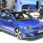 VW Golf 7 GTI in Balu auf dem Pariser Autosalon 2012