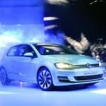 VW präsentiert auf der Pariser Automesse den Golf Blue Motion
