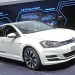 VW Golf Bluemotion in Weiss auf der Paris Motor Show 2012