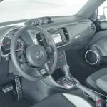 Das Armaturenbrett des VW Beetle als R-Line