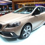 Volvo V40 Cross Country auf der Pariser Automesse 2012