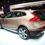 Volvo präsentiert auf dem Pariser Autosalon 2012 den V40 Cross Country