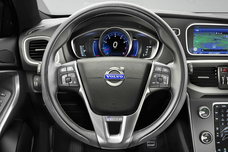 Das Cockpit des Volvo V40 R-Design