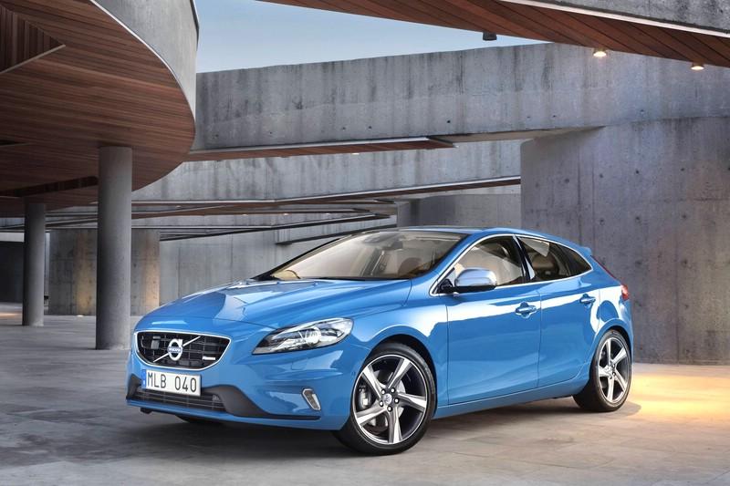 Der neue Volvo V40 R-Design in Blau