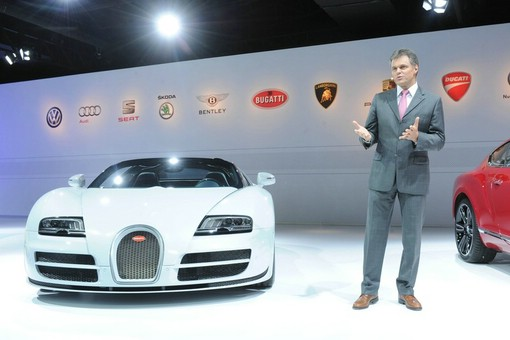 Wolfgang Schreiber stellt den Bugatti Veyron Grand Sport Vitesse vor