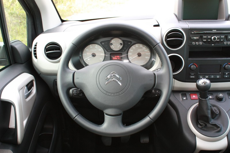 Das Cockpit des Citroen Berlingo Multispace