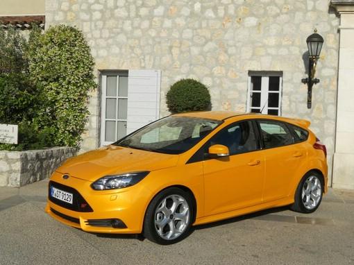 Ford Focus ST 2012 in der Farbe Orange