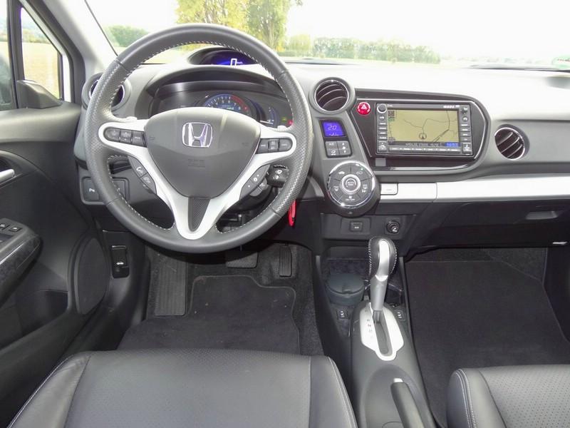 Das Armaturenbrett des Honda Insight Exclusive