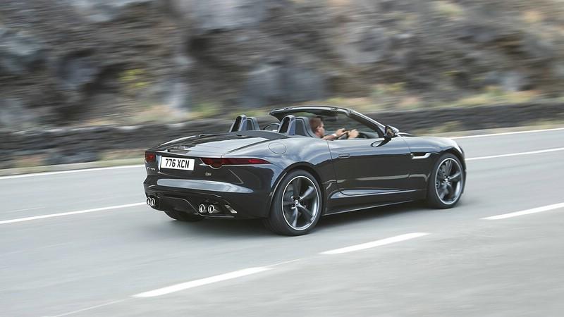 Schwarzer Jaguar F-Type kommt im Jahr 2013 auf den Markt