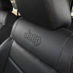 Die Ledersitze des Jeep Wrangler Black Edition