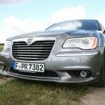 Der Kühlergrill des Lancia Thema 3.0 CRD Executive