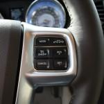 Die Lenkrad-Bedienung des Lancia Thema 3.0 V6 CRD
