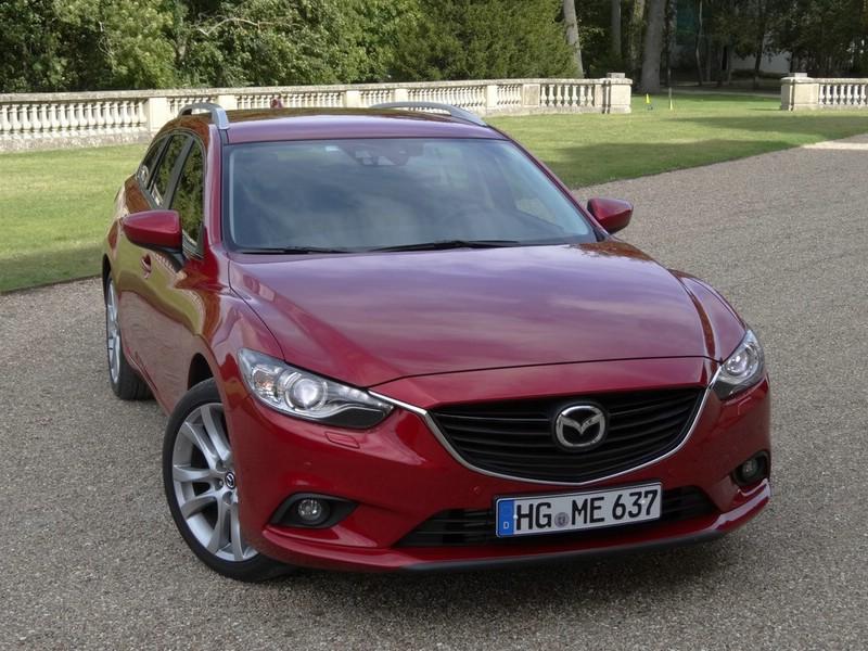 Die Frontpartie des Mazda6 als Kombi in der dritten Generation