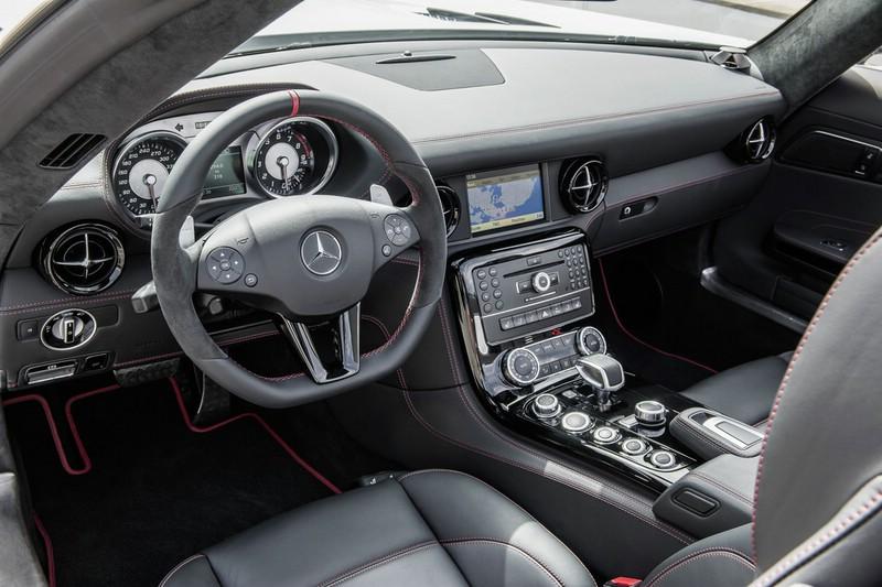 Galerie: Mercedes-Benz SLS AMG GT Interieur | Bilder und Fotos