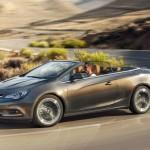 Opel Cascada mit geöffnetem Dach + Fahrer