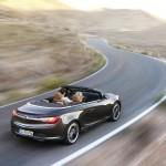 Die Heckpartie des Opel Cascada (Fahraufnahme)