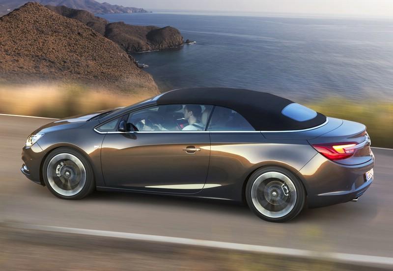 Der neue Opel Cascada in der Seitenansicht