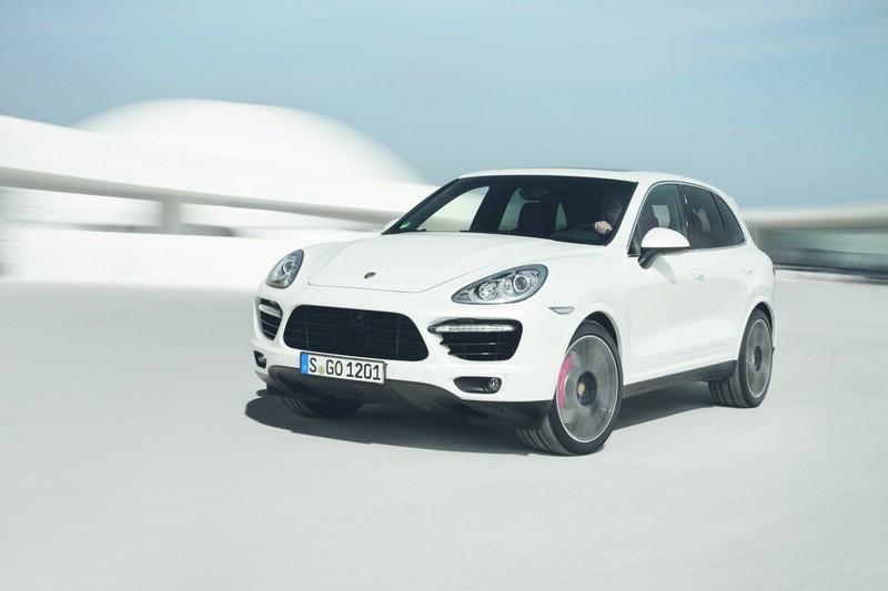 Der neue Porsche Cayenne Turbo S in der Frontansicht