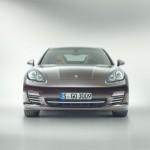 Die Frontansicht des Porsche Panamera Platinum Edition