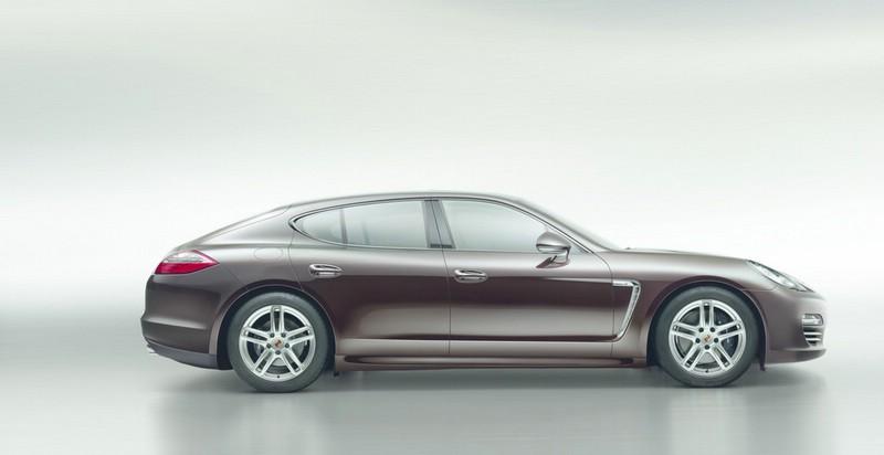 Porsche Panamera-Sonderserie Platinum Edition in der Seitenansicht