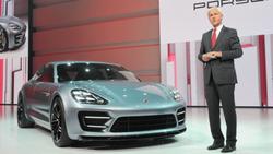 Porsche-Supersportwagen Panamera Plug-in-Hybrid auf der Pariser Messe 2012