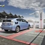 Der neue Toyota Prius Plug-in von hinten