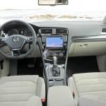Das Armaturenbrett des Volkswagen Golf 7