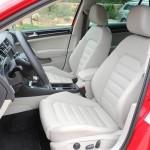 Der Innenraum des VW Golf 7 Modelljahr 2013