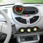 Die Mittelkonsole des Renault Twingo Liberty 1.2