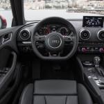 Der Innenraum des Audi A3 Sportback mit klaren Linien