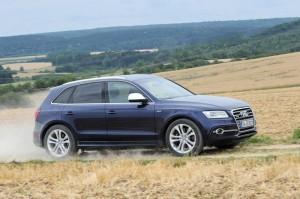 Audi Q5 in Dunkelblau