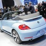 VW Beetle Cabrio in LA Messe - Verdeck offen