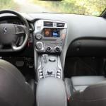 Das Armaturenbrett des Citroen DS5 Hybrid 4