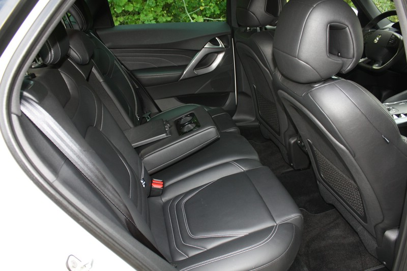 Die Fondsitze des Citroen DS5 Hybrid 4 - Lederausstattung