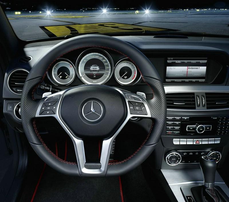 Galerie: Cockpit - Mercedes C 250 Sport | Bilder und Fotos | {Armaturenbrett mercedes 12}