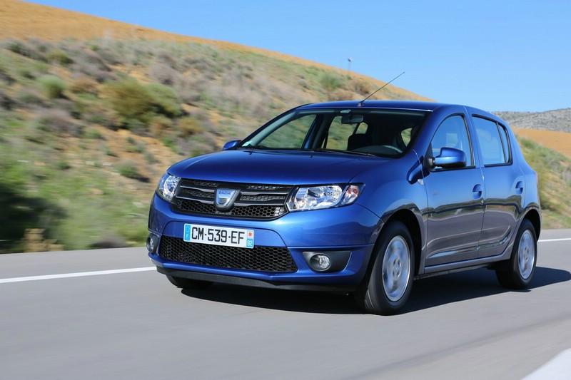 Dacia Sandero Stepway Modelljahr 2013 (Fahraufnahme)