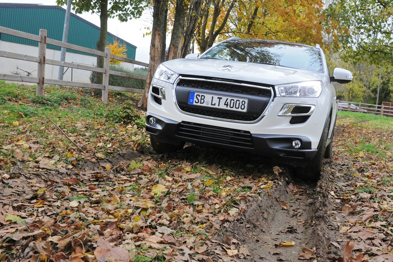 Mehr als Geländetauglich - der Peugeot 4008 4AWD