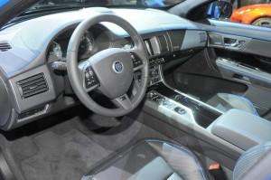Der Innenraum des Jaguar XF-RS - Cockpit