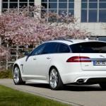 Weißer Jaguar XF Sportbrake als 3.0 Diesel