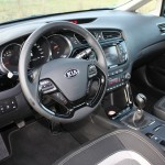 Das Cockpit des Kia ceed