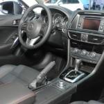 Das Cockpit des 2013 Mazda 6