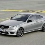 Der neue Mercedes-Benz C 250 Sport in der Front- Seitenansicht