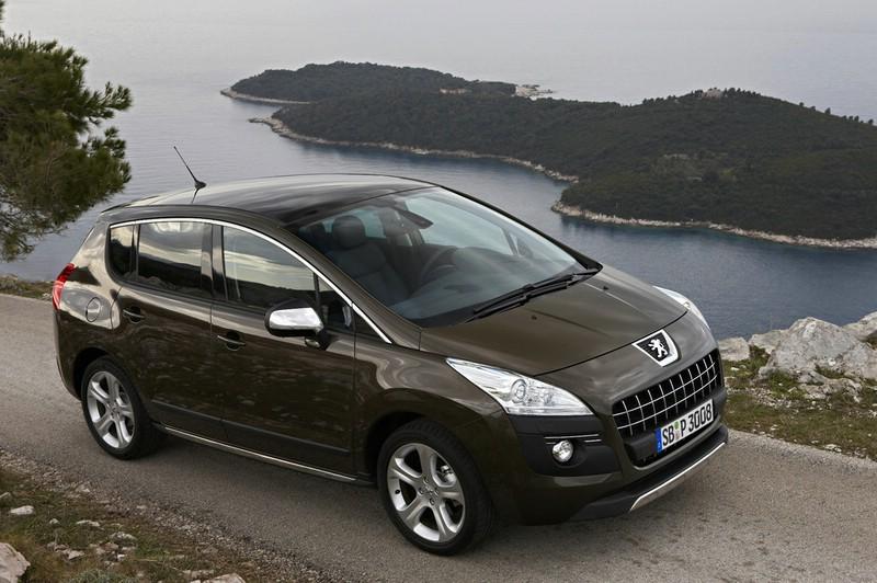 Der Peugeot 3008 (2012) in der Seitenansicht