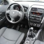 Das Cockpit des Peugeot 4008 4AWD