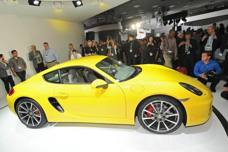 Der neue Porsche Cayman in der Seitenansichjt (Gelb)