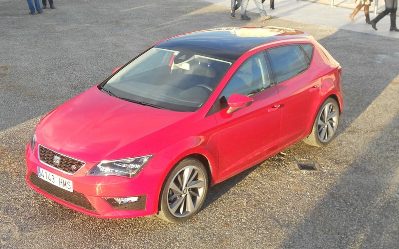 Roter Seat Leon 1.2 TSI Modell 2013