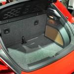 Der Kofferraum des VW Beetle 2.0 TSI Sport mit 310 Liter