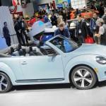 Das neue Volkswagen Beetle Cabrio auf der Automobilmesse Los Angeles Auto Show 2012